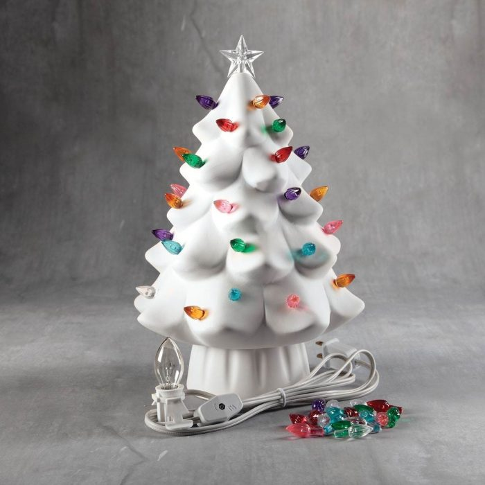 BQ LG LIGHTED CHRISTMAS TREE